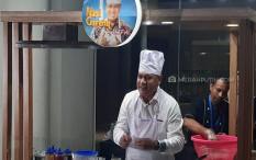 Ketua KPK Firli Bahuri Masak Nasi Goreng Untuk Dewas, Komisioner dan Awak Media