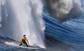 4 Spot Surfing Paling Angker di Dunia, Ketinggian Ombak Super Ekstrem