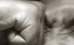Kalah Berkelahi, Perut Paspampres Ditusuk Obeng