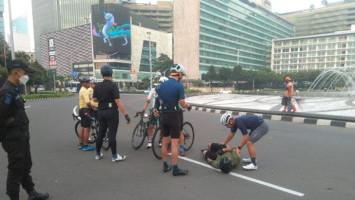 Polisi Tahan Pengemudi Mobil Tabrak Lari Pesepeda di Bundaran HI