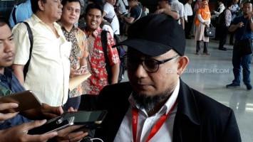 PN Jaksel Gelar Gugatan OC Kaligis Terkait Kasus 'Burung Walet' Novel Baswedan