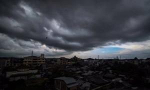 Prakiraan Cuaca: Sebagian Besar Wilayah Indonesia Diguyur Hujan Lebat