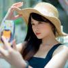 Menurut Penelitian, Perempuan Suka Selfie yang Tidak Natural