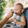 Pentingnya Makanan Utama dan Camilan saat MPASI