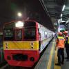 PPKM Berlaku Mulai Hari Ini, Commuter Line Beroperasi Hingga Jam 10 Malam