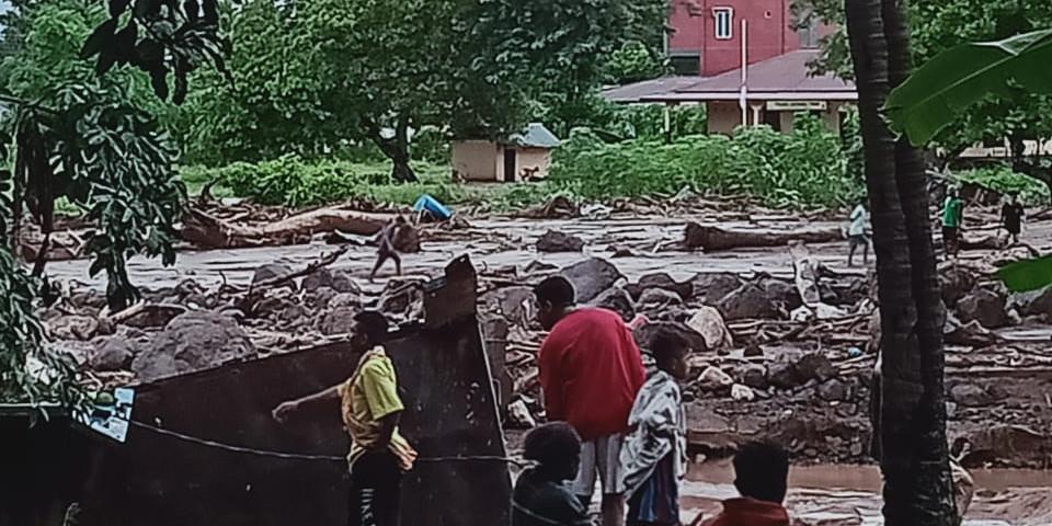 Banjir Bandang di Flores, NTT. (Foto: Antara)