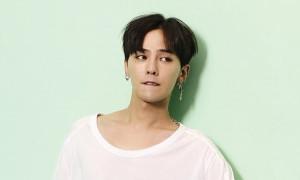 G-Dragon Hadiahkan Sepeda Motor untuk Ipar