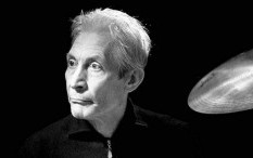 Charlie Watts Drummer The Rolling Stones Tutup Usia