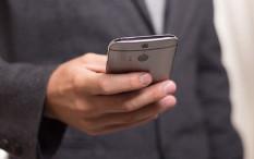 Menyingkirkan Mata Lelah Akibat Memandang Layar Ponsel