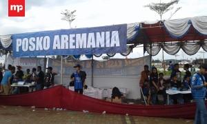 Aremania Sediakan Makanan dan Minuman Gratis di Posko