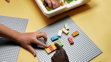 Lego Braille Bricks Membantu Anak Tunet Belajar Membaca