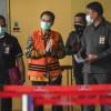 Azis Syamsuddin Berikan Amplop ke AKP Robin Saat Temui Rita Widyasari di Lapas
