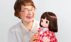 Robot Cucu untuk Temani Lansia yang Kesepian di Jepang