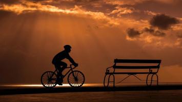 Tips Aman Bersepeda Malam Versi Bike To Work
