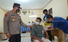 Desa Tanjungjaya Terima Vaksin Sinovac dari JHL Group