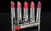 Warna Lipstik yang Hits Tahun 90-an, Masih Terbawa hingga Kini?
