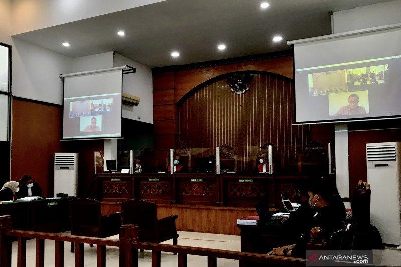 Kuasa Hukum Protes Jumhur Hidayat tak Dihadirkan, Sidang Ditunda