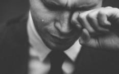 'Guru Air Mata' Sebut Menangis Cara Ampuh Redakan Stres