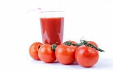 Bosan Minum Jus Jeruk? Ganti dengan Jus Tomat yang Tidak Kalah Menyehatkan
