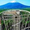 Menyaksikan Pemandangan Gunung Fuji di Atas Dek Roller Coaster