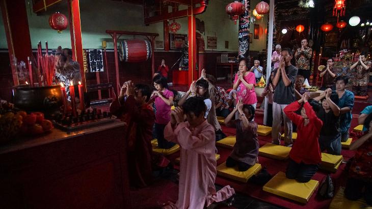 Warga Tionghoa di Manado Gelar Prosesi Sambut Imlek