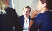 Tips Berpakaian Saat Interview Kerja untuk Perempuan