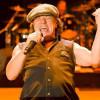 Vokalis AC/DC Seorang Paduan Suara Sebelum Jadi Rocker