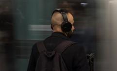 Bila Menggunakan 'Headset', Bersihkan dong!