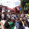 Soal Pesantren Tak Ber-IMB, Ratusan Santri Geruduk DPRD Cirebon