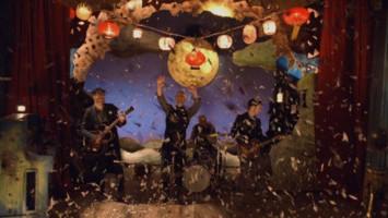 5 Lagu Penuh Cinta Ini Pas Banget Buat Playlist Natal Kamu