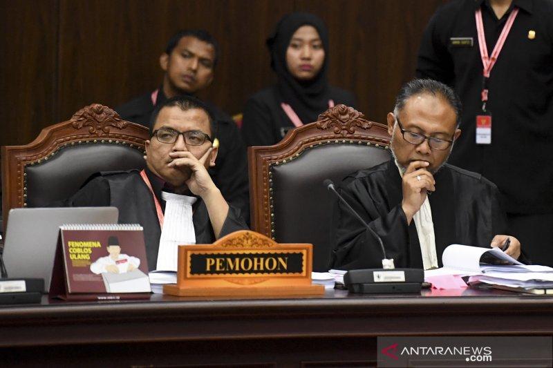 Tim Hukum Prabowo-Sandi Beberkan 15 Petitum ke Hakim Konstitusi