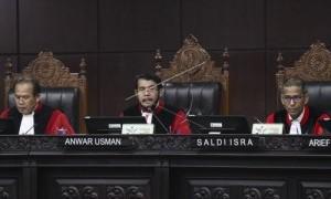 Hakim MK Mentahkan Tuduhan Kubu Prabowo-Sandi Soal Ribuan TPS Siluman