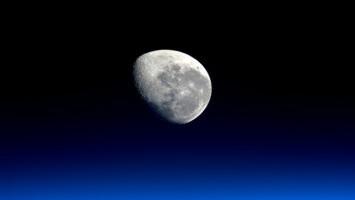 NASA Berminat Membeli Batu dari Bulan