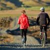Mana Lebih Baik untuk Kesehatan Tubuh, Bersepeda atau Lari?