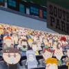Ribuan Papan Karton 'South Park' Jadi Penonton di Stadion Denver Broncos