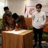 Gibran-Teguh dan Bajo Tanda Tangani Pakta Integritas Anti-Korupsi dari KPK