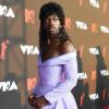 Gaya Genderless ala Lil Nas X di MTV VMA 2021