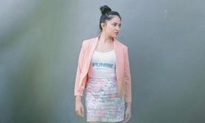 5 Selebritis Ini Memilih Bongkar Pasang Hijab