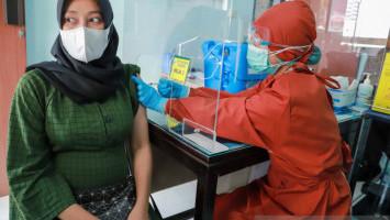 Laju Penularan COVID-19 di Bandung Terus Menurun