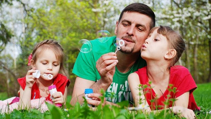 Pentingnya Kedekatan Ayah dan Anak, Berpengaruh Pada Kecerdasan Si Kecil
