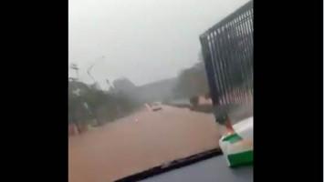 Kawasan GBK Senayan Banjir, Warga: Cocok Nih Buat Ternak Lele