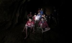 Misi Sukses: Tim Sepak Bola Remaja Thailand dan Pelatihnya Keluar dengan Selamat