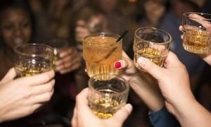 Keliru, Minum Alkohol Justru Membuat Orang Sulit Tertidur
