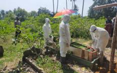Kasus COVID-19 di Indonesia Tembus 2 Juta