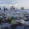 Kurangi Penggunaan Plastik Sekali Pakai, Bahkan saat Pergi Melancong