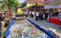 Polresta Surakarta Musnahkan Ribuan Liter Miras