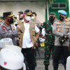 Warga Bangkalan Curhat di Depan Panglima TNI-Kapolri