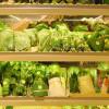 Lestarikan Bumi, Supermarket ini Ganti Pembungkus Plastik dengan Daun Pisang