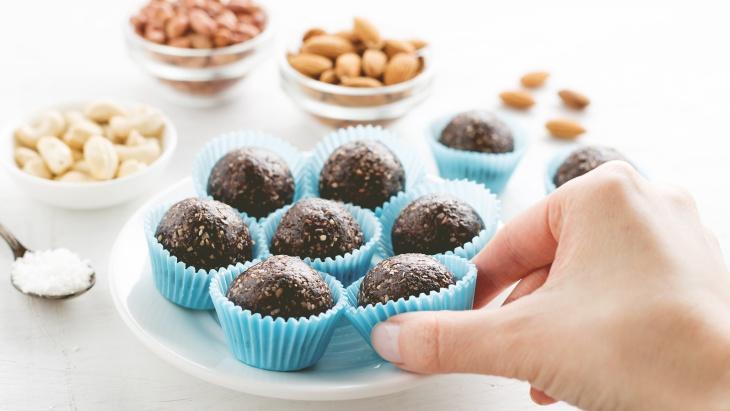 Tetap Sehat saat Lebaran, Atur Pola Makan dengan Cara Ini