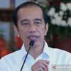 [HOAKS atau FAKTA] Jokowi Pakai Baju Baru untuk Lebaran di Solo